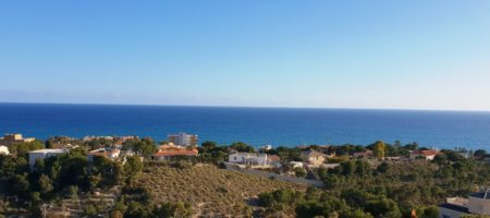 Villa in Coveta Fumá with superb sea views.