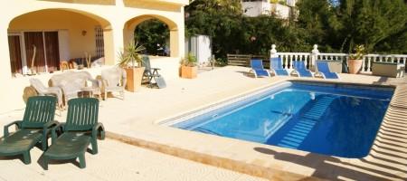 Villa con piscina y Air-co. en Coveta Fuma, Campello.