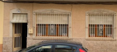 Traditional house in Campello with some land.